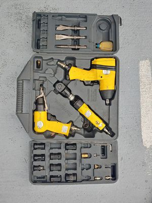 PNEUMATIC Tool set, nail gun and rolling bed bench for Sale in Miami, FL