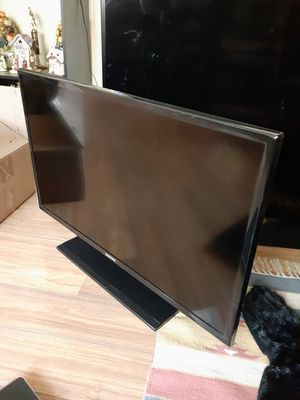 """32"""" tv for Sale in Tampa, FL"""