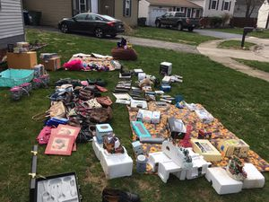 Sale yard sale for Sale in Grove City, OH