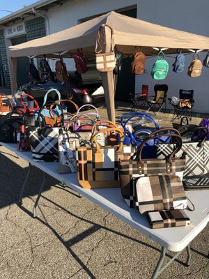 Fashion handbags with wallet for Sale in Middleburg Heights, OH
