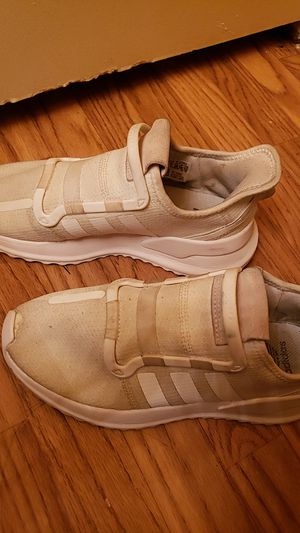 Adidas whit shoes for Sale in Phoenix, AZ
