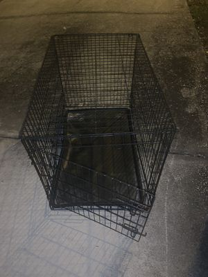 Medium size dog crate for Sale in Winter Haven, FL