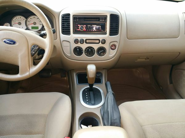 2006 Ford Escape XLT SUV , 4WD..New emission and inspection