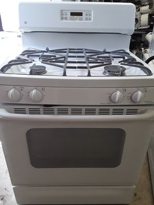 Ge White Gas stove for Sale in Las Vegas, NV