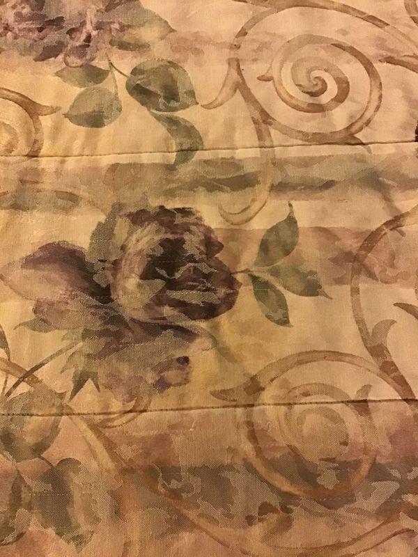Crocscill Chambord design queen bedding set