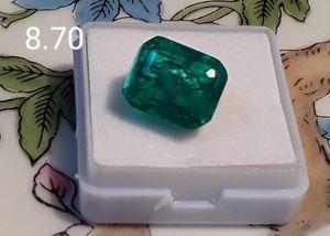 8.70 carat certified Colombian emerald for Sale in Reidsville, NC