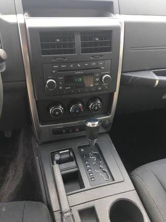 2010 Jeep Liberty 4X4 4WD SPORT SUV