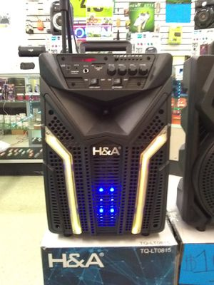 2,000 Watt Bluetooth speaker... microphone and remote control included 125.00 for Sale in Washington, DC