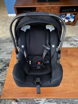 Nuna car seat & base for Sale in Tempe, AZ