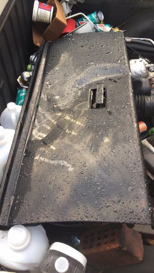 Chevy GM S10 stepside bed tailgate OEM GMC Sonoma D badged for Sale in Federal Way, WA