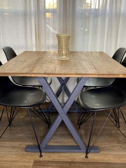 Modern Extendable Dining table Set w/4 Chairs 🪑 FREE DELIVERY! for Sale in Portland,  OR