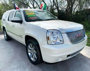 2012 GMC Yukon Denali XL//Down 2490 o trade in // nor parting out for Sale in Houston, TX