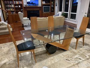 Dining table and 6 chairs for Sale in Portland, OR