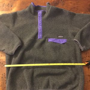 """Patagonia Vintage Synchilla Snap T Fleece Grey Purple 90's Mens Sz L. Condition is """"Pre-owned"""" and still in great shape not much worn in a decade. 21 for Sale in Chicago, IL"""