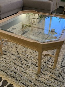 Vintage Lane Coffee Table for Sale in Aurora,  CO