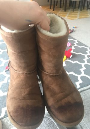 Size 4 uggs for Sale in Fairfax, VA