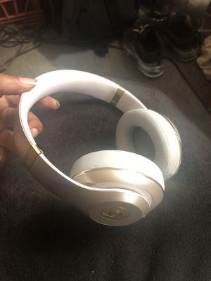 Beats studio headphones for Sale in Pittsburgh, PA