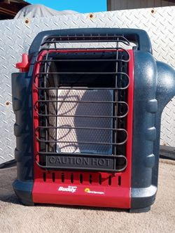 NEW MR. HEATER PORTABLE BUDDY INDOOR/OUTDOOR HEATER for Sale in Everett,  WA