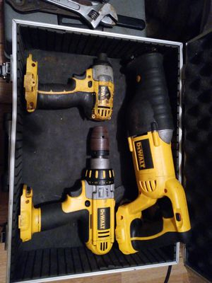 Dewalt 5 peace power tool set for Sale in Springfield, MO