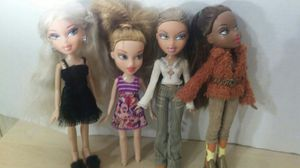 Lot 3 bratz dolls for Sale in Citrus Heights, CA