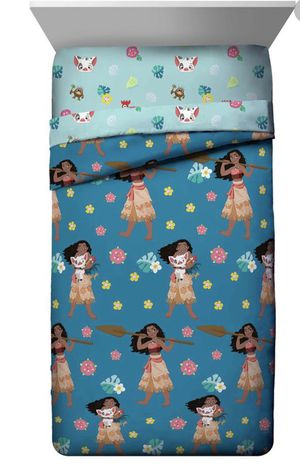 New Moana princess 3 piece Comforter twin size plus it's very soft material $$$45 I'm in Fontana for Sale in Fontana, CA