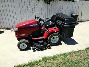 Craftsman tractor mower for Sale in Mira Loma, CA