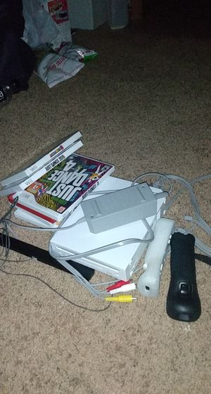 Wii , 2 great condition remotes included, mario bros and mario party 8 for Sale in Scottsdale, AZ