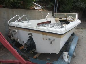 Free boat hull good fishing diving ! No trailer engine or outdrive for Sale in Lake Arrowhead, CA