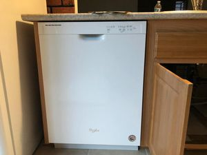 White whirlpool dishwasher for Sale in San Diego, CA