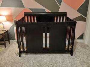 Black Wood Baby Crib with Mattress and Sheets for Sale in Maple Valley, WA