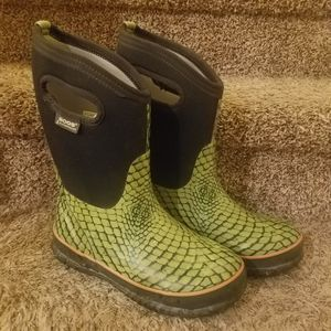 Bogs big kid size 4 boots for Sale in Westminster, CO