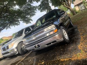 2000 CHEVY SUBURBAN TRADE FOR PICK UP for Sale in Miami, FL