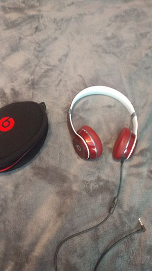 Beats by Dre solo 2 lux edition for Sale in Vacaville, CA