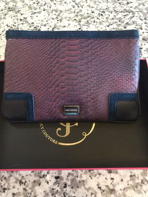 Juicy Couture Wristlet for Sale in Arlington, VA