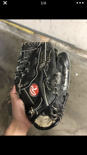 Baseball Rawlings glove for Sale in Santa Clarita, CA