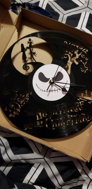 Vinyl clock Nightmare before Christmas for Sale in Fond du Lac, WI