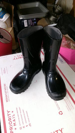 Girls rain boots size 12.5 for Sale in Belmont, CA