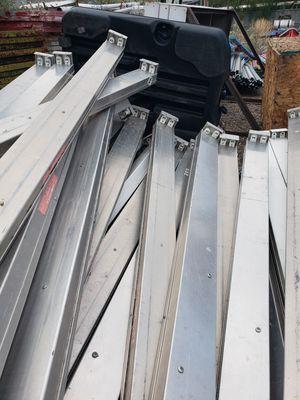 8' aluminum flouresent fixtures for Sale in Phoenix, AZ