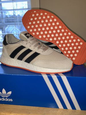sz 10 brand New adidas for Sale in Raleigh, NC