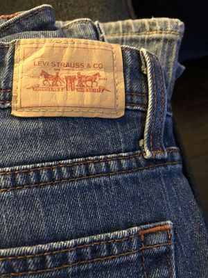 2 pairs of women's jeans for Sale in Rancho Cucamonga, CA