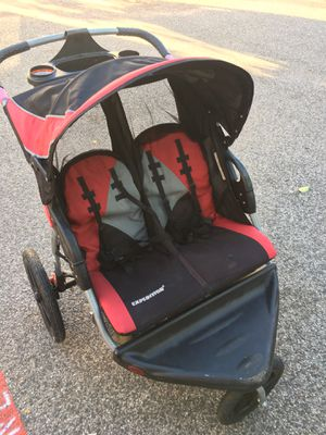 Twins stroller jogger for Sale in Houston, TX