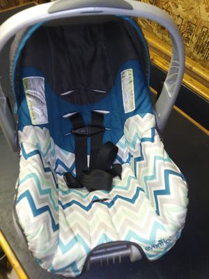 Evenflo Infant Car Seat for Sale in New Paris, IN