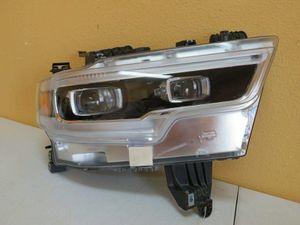 2019 DODGE RAM 1500 RIGHT HEADLIGHT XENON LED for Sale in Houston, TX
