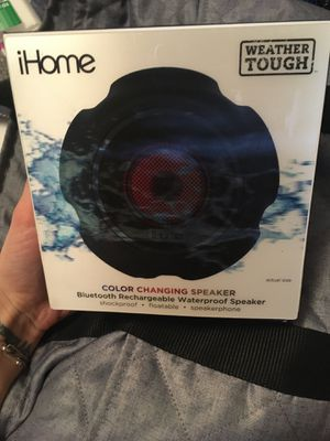IHOME COLOR CHANGING BLUETOOTH SPEAKER for Sale in Cahokia, IL