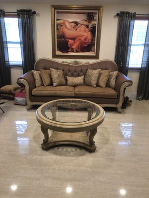 Center table from El dorado for Sale in Hialeah, FL