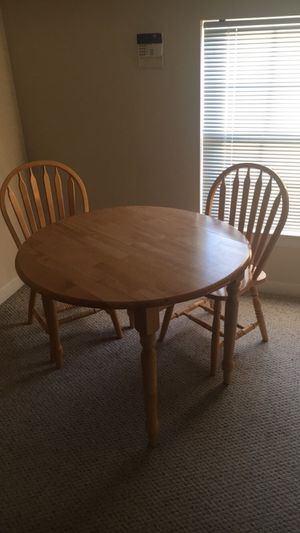 Table and Chairs Set for Sale in Nashville, TN