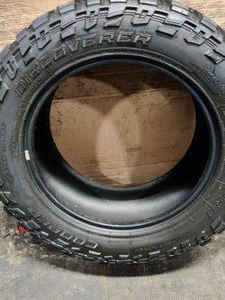 Cooper Discoverer STT Pro 305/55R20 for Sale in Bellwood,  IL