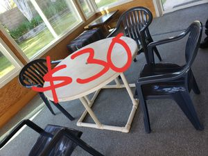 Table and chairs for Sale in Westminster, CA