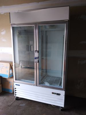 Commercial freezer for Sale in St. Louis, MO