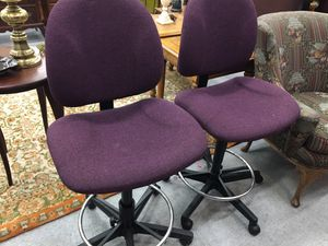 Pair of bar stools, adjustable height, swivel for Sale in Fort Washington, MD